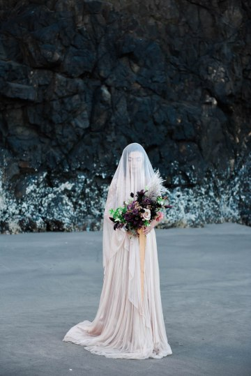 Ethereal Pacific Northwest Beachy Wedding Inspiration   Jessica Lynn Photography 43