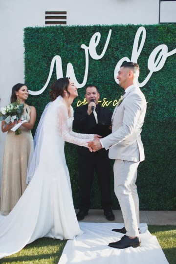 Modern Hip Taco Wedding In A Funky Gallery Venue | Claire Eliza 13