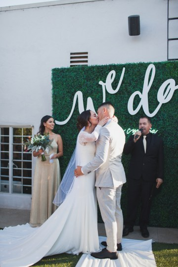 Modern Hip Taco Wedding In A Funky Gallery Venue | Claire Eliza 14
