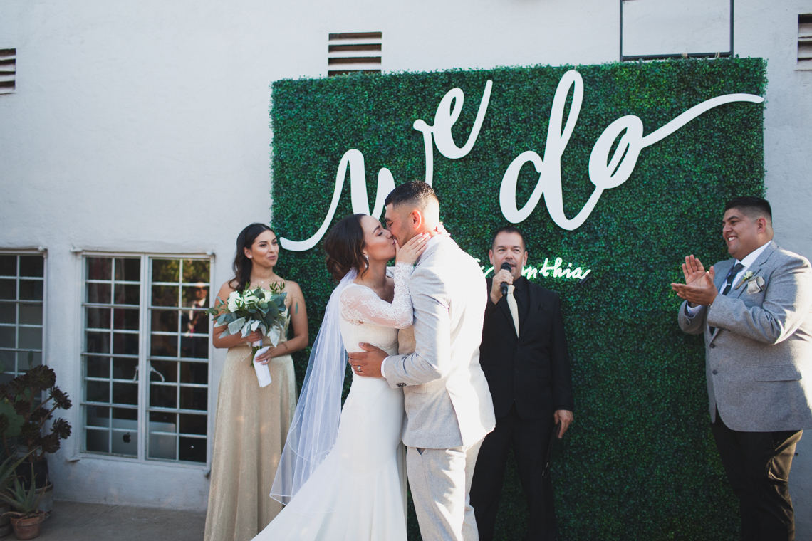 Modern Hip Taco Wedding In A Funky Gallery Venue | Claire Eliza 15