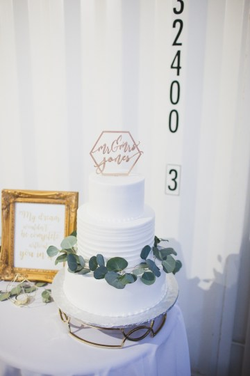 Modern Hip Taco Wedding In A Funky Gallery Venue | Claire Eliza 48