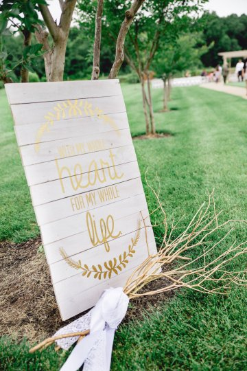 Relaxed Virginia Winery Wedding | Alison Leigh Photography 1