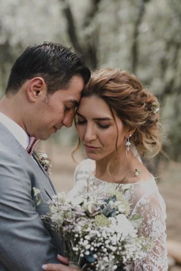 Rustic Barcelona Wedding Featuring Chic Bridal Separates | Visual Foto 30