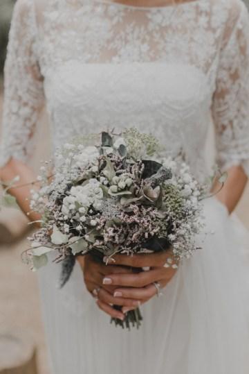 Rustic Barcelona Wedding Featuring Chic Bridal Separates | Visual Foto 33