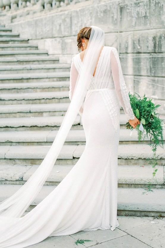 Absolutely Chic Swedish Castle Wedding | 2 Brides Photography 20