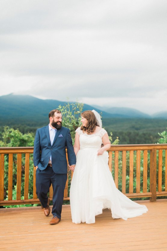 Rustic Carolina Mountain Lodge Wedding | Common Dove Photography 16