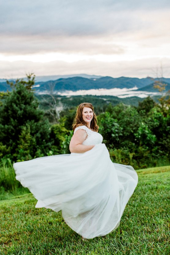 Rustic Carolina Mountain Lodge Wedding | Common Dove Photography 24