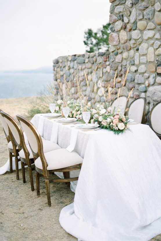 Waterfalls & Watercolors; Dreamy Blue Wedding Ideas | Minted Photography 11
