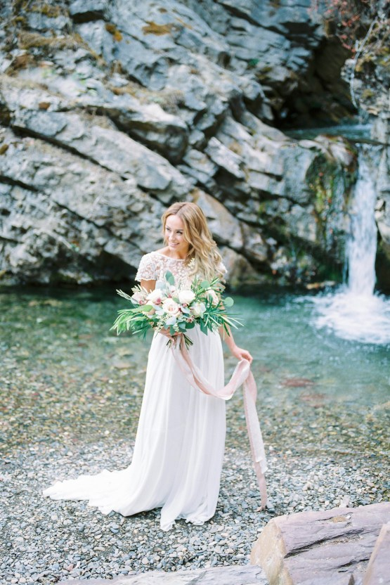 Waterfalls & Watercolors; Dreamy Blue Wedding Ideas | Minted Photography 7