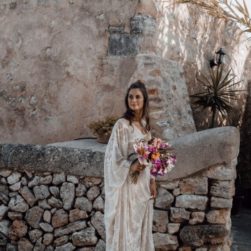 Wild, Spanish Wedding Inspiration For Bohemian Brides | IDO Events | Kevin Klein 23