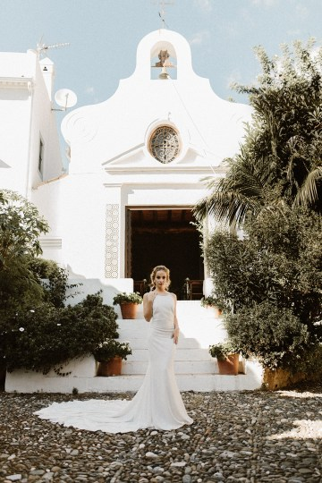 Bougainvillea Wedding Inspiration With Modern Silk Gowns   IDO Events   Kevin Klein 1