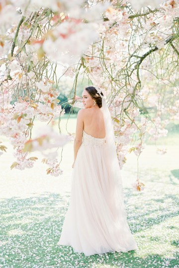 Citrus & Peach Chateau Wedding Inspiration | Lucy Davenport 29