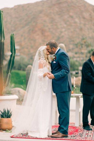 Midcentury Modern Desert Wedding Made Of Boho Dreams | Vienna Glenn 15