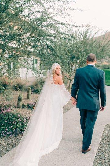 Midcentury Modern Desert Wedding Made Of Boho Dreams | Vienna Glenn 25
