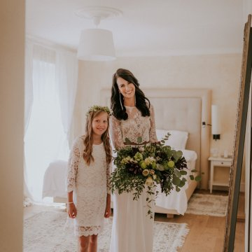 Monstera Leaves & Artichokes; A Hip Slovenian Wedding | Karen Willis Holmes Bridal | Aljosa Videtic 22