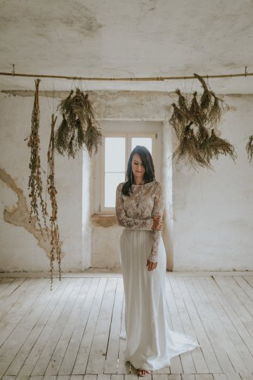 Monstera Leaves & Artichokes; A Hip Slovenian Wedding   Karen Willis Holmes Bridal   Aljosa Videtic 30