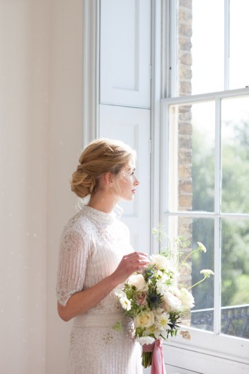 Swanky London Wedding Inspiration Filled With Pretty Dessert Ideas | Amanda Karen Photography 35