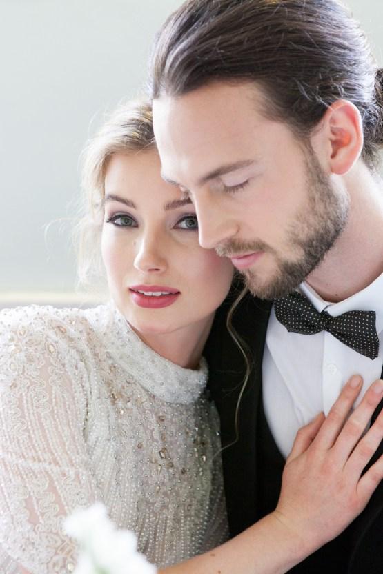 Swanky London Wedding Inspiration Filled With Pretty Dessert Ideas | Amanda Karen Photography 46