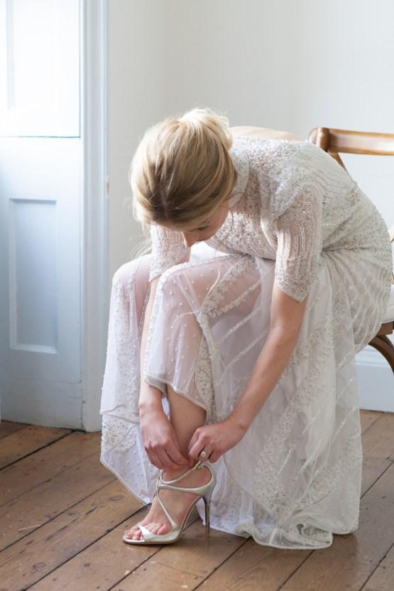 Swanky London Wedding Inspiration Filled With Pretty Dessert Ideas | Amanda Karen Photography 49