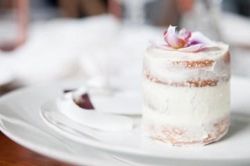 Swanky London Wedding Inspiration Filled With Pretty Dessert Ideas | Amanda Karen Photography 5