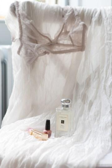 Swanky London Wedding Inspiration Filled With Pretty Dessert Ideas | Amanda Karen Photography 52