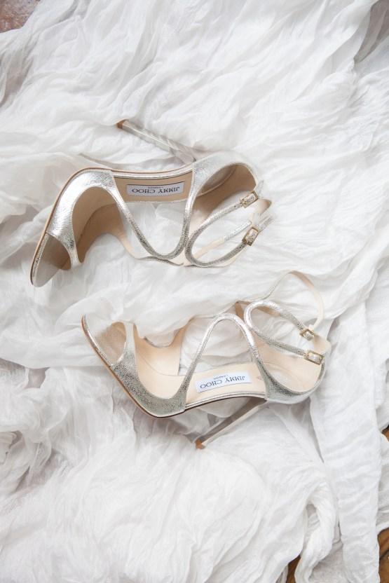 Swanky London Wedding Inspiration Filled With Pretty Dessert Ideas | Amanda Karen Photography 53