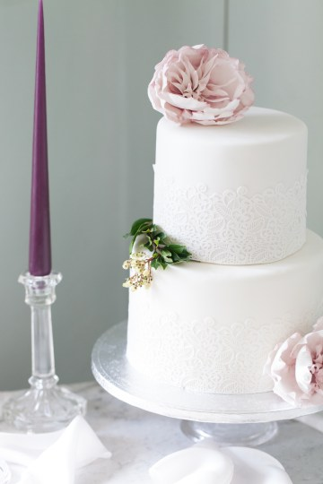 Swanky London Wedding Inspiration Filled With Pretty Dessert Ideas | Amanda Karen Photography 63