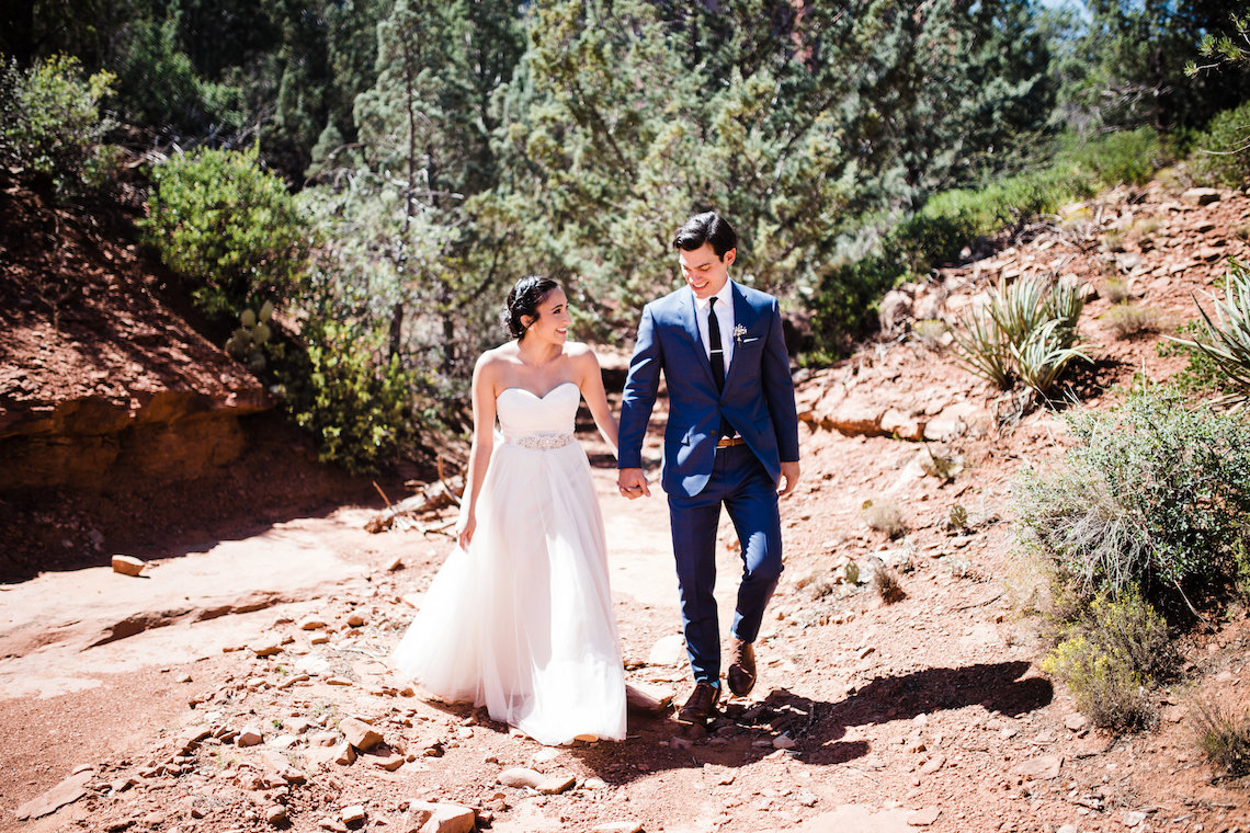 Casual Sedona Red Rocks Wedding (With A Sweet Blush Wedding Dress) | Julia Kinnunen Photography 5