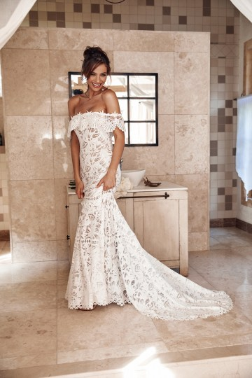 Free-Spirited Bohemian Icon Wedding Dress Collection by Graces Loves Lace | Cient 4
