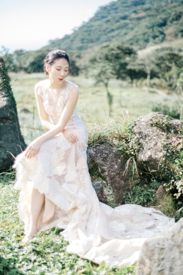 Whimsical Meadow Wedding Inspiration With Dried Florals   Olea & Fig Studio   The Stage Photography 4
