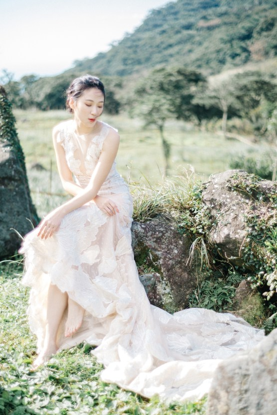 Whimsical Meadow Wedding Inspiration With Dried Florals | Olea & Fig Studio | The Stage Photography 4