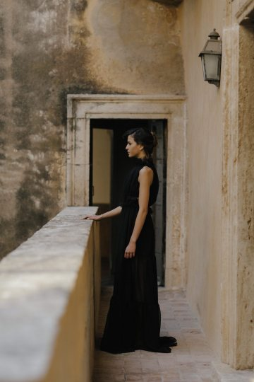 Ancient Rome Meets Mod Yellows & Sophisticated Black In This Timeless Wedding Inspiration | Cinzia Bruschini 26