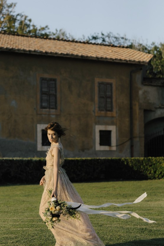 Ancient Rome Meets Mod Yellows & Sophisticated Black In This Timeless Wedding Inspiration | Cinzia Bruschini 44