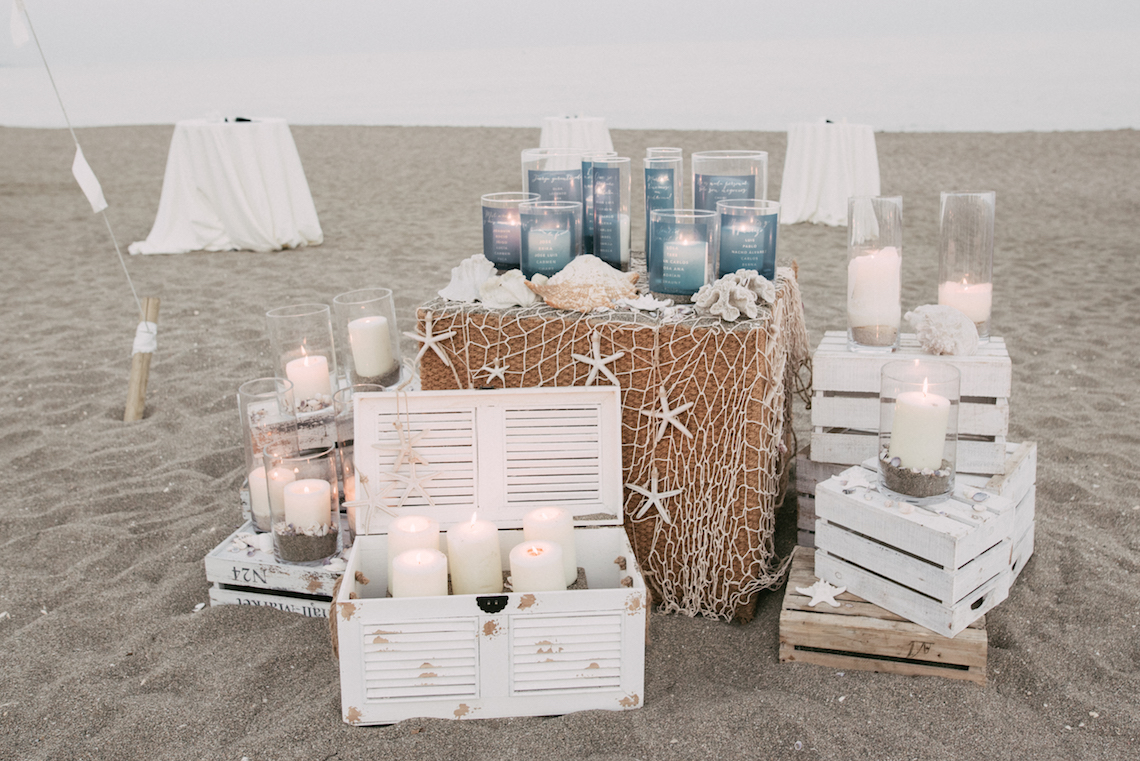 Relaxed All-White Spanish Beach Wedding With Seriously Glamorous Bridal Beauty Style | Sara Lobla Photography 16