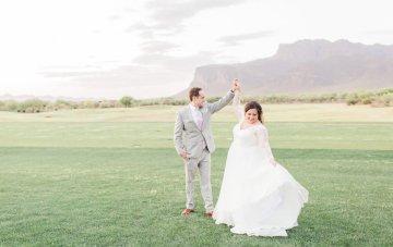 Intimate & Scenic Arizona Wedding With Tuscan Charm