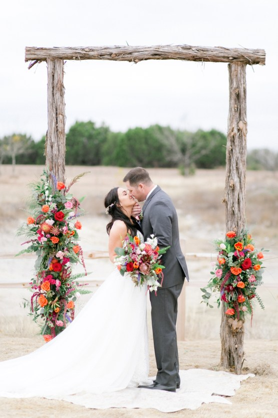 Summer Berry Wedding Ideas From The Hill Country | Jessica Chole 49