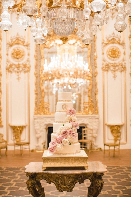 An Elegant Royal Vienna Destination Wedding | A Very Beloved Wedding | Sandra Aberg 47