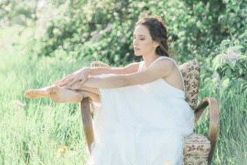 Beltane Goddess Bridal Inspiration With Lilacs And Horses – Gabriela Jarkovska 3