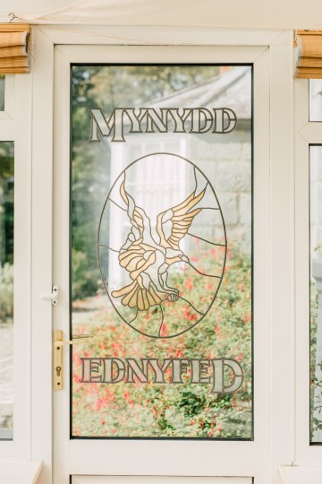 Intimate & Idyllic Wales Country House Wedding | Heledd Roberts Photography 8
