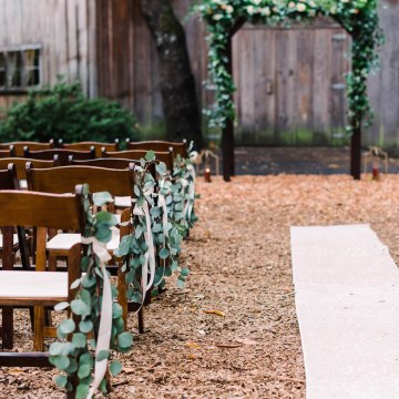 Rustic Barn Wedding Filled With Greenery   Deyla Huss Photography 23