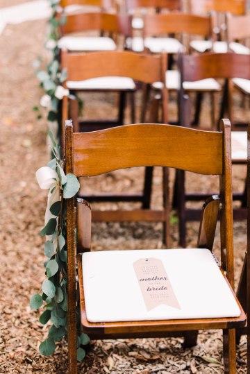 Rustic Barn Wedding Filled With Greenery | Deyla Huss Photography 25