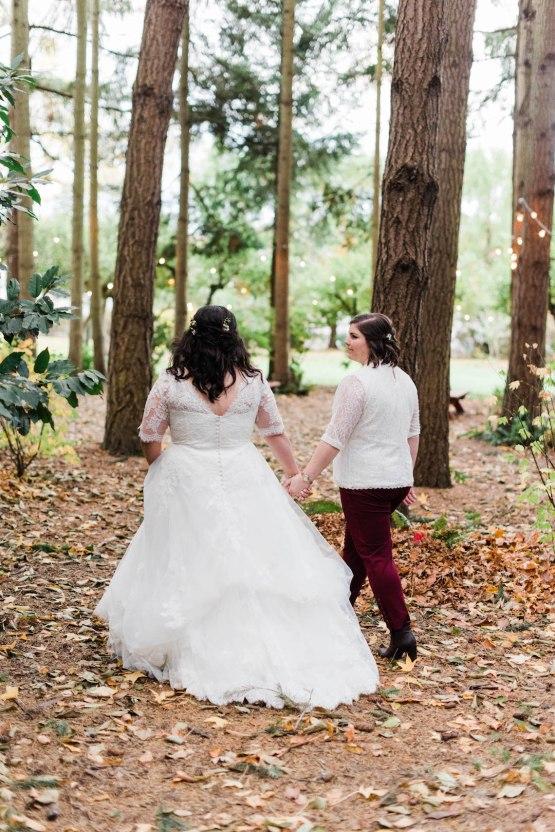 Rustic Barn Wedding Filled With Greenery   Deyla Huss Photography 32