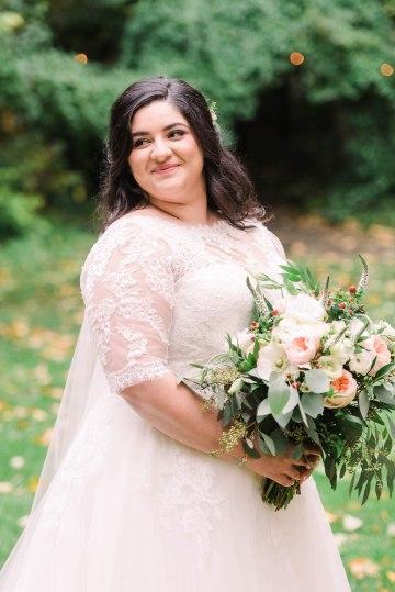 Rustic Barn Wedding Filled With Greenery | Deyla Huss Photography 37