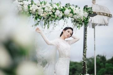 Zen Balinese Wedding Inspiration With A Dazzling Tiara   Nej Photo   Chere Weddings 1