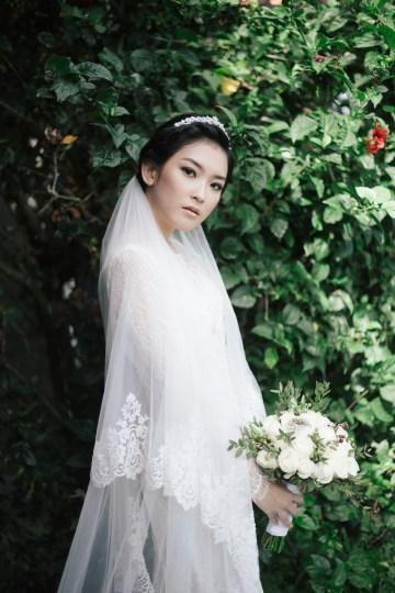 Zen Balinese Wedding Inspiration With A Dazzling Tiara | Nej Photo | Chere Weddings 30