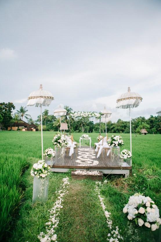 Zen Balinese Wedding Inspiration With A Dazzling Tiara | Nej Photo | Chere Weddings 40