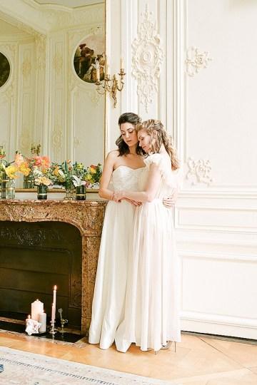Elegant Blush Parisian Bridal Inspiration Featuring Luxurious Veils and Boudoir Ideas – Bonphotoge 13