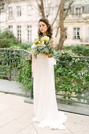 Elegant Blush Parisian Bridal Inspiration Featuring Luxurious Veils and Boudoir Ideas – Bonphotoge 15