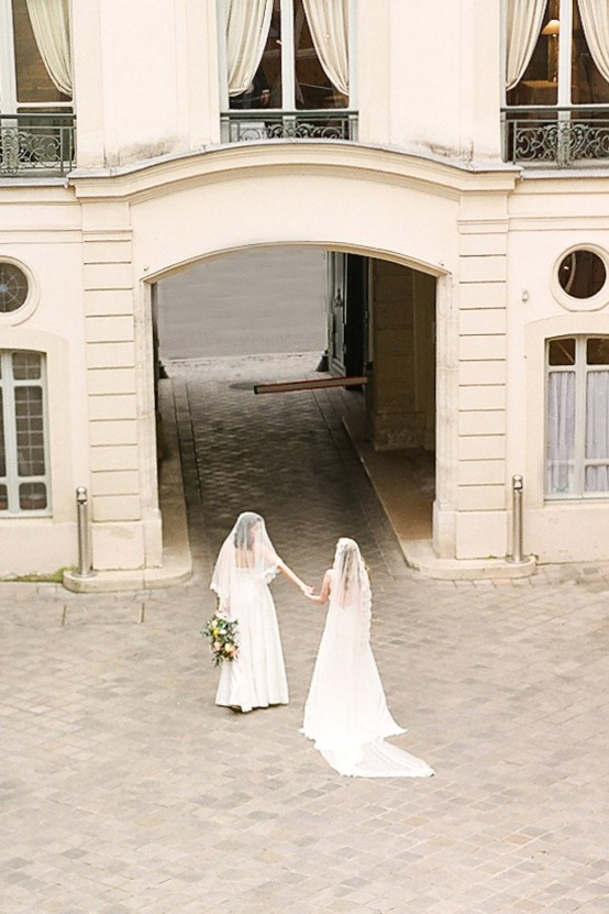 Elegant Blush Parisian Bridal Inspiration Featuring Luxurious Veils and Boudoir Ideas – Bonphotoge 27