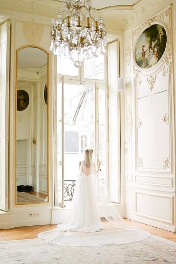 Elegant Blush Parisian Bridal Inspiration Featuring Luxurious Veils and Boudoir Ideas – Bonphotoge 28